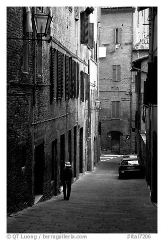 Narrow street. Siena, Tuscany, Italy (black and white)