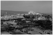 General view of town, perched on plateau. Orvieto, Umbria ( black and white)