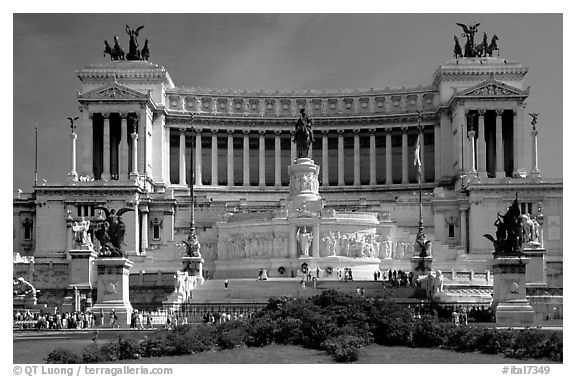 Rome lazio italy black and white victor emmanuel monument built to honor victor emmanuel ii the first king of unified