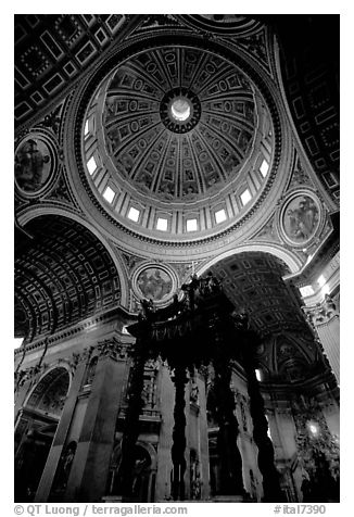 Baldachino, and Dome of Basilic Saint Peter. Vatican City