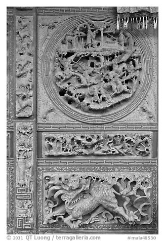 Sone carving motif, Hainan Temple. George Town, Penang, Malaysia (black and white)