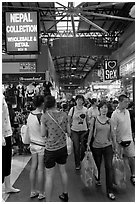 Shoppers, Bugis Street Market. Singapore (black and white)