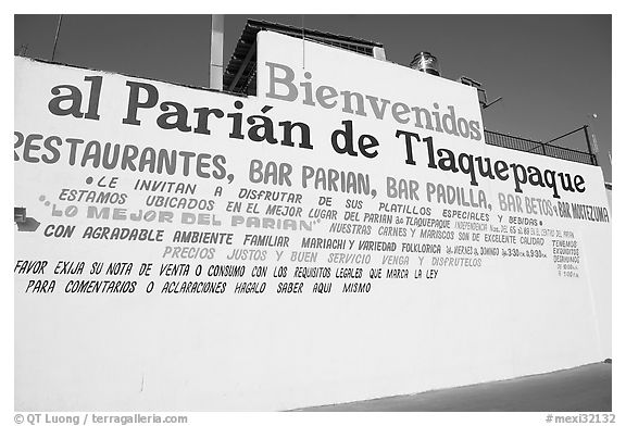 Wall with welcome sign, Tlaquepaque. Jalisco, Mexico (black and white)