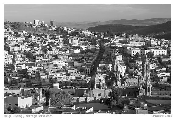 Panoramic view of Cathedral and town, late afternoon. Zacatecas, Mexico (black and white)