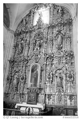 Guilded altar in Church Santo Domingo. Zacatecas, Mexico (black and white)