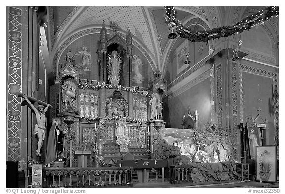 Altar and nativity. Guanajuato, Mexico (black and white)