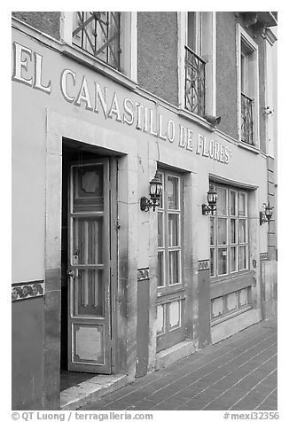 Restaurant El Canastillo de Flores on Plaza de la Paz. Guanajuato, Mexico (black and white)