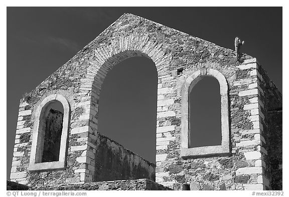 Front of a ruined house near a mine. Guanajuato, Mexico (black and white)