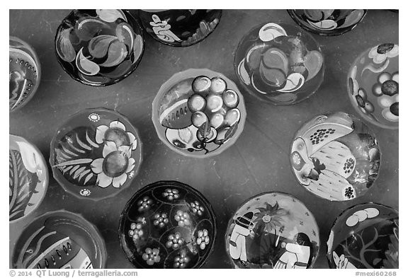 Ceramics for sale. Cozumel Island, Mexico (black and white)