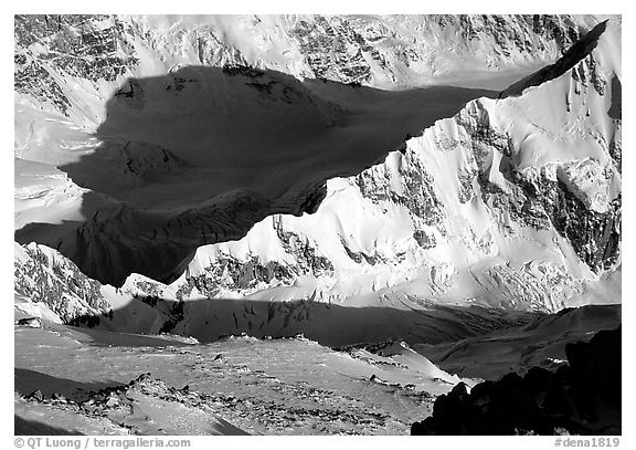 Kahilna peaks seen from 16000ft on Mt McKinley. Denali National Park (black and white)