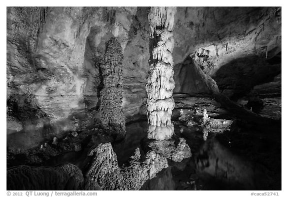 Devils Spring underground pool. Carlsbad Caverns National Park (black and white)