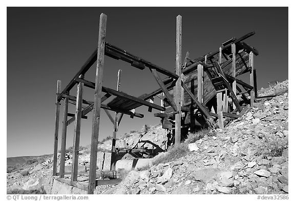 Cashier mine near Eureka mine, morning. Death Valley National Park (black and white)