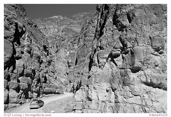 Titus Canyon Narrows. Death Valley National Park (black and white)