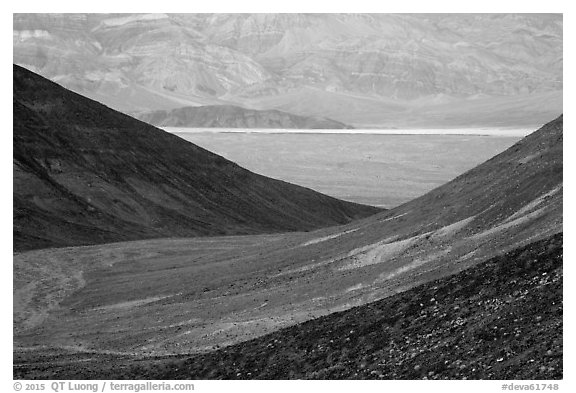 Side valley leading to Panamint Valley. Death Valley National Park (black and white)