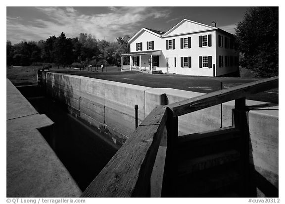 Lock and Canal Visitor Center. Cuyahoga Valley National Park (black and white)