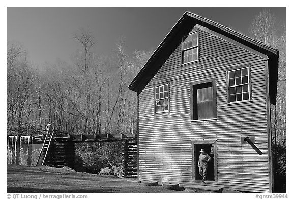 Mingus Mill and mill workers, North Carolina. Great Smoky Mountains National Park (black and white)