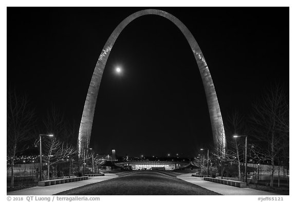Arch at night and moon above new overpass. Gateway Arch National Park (black and white)