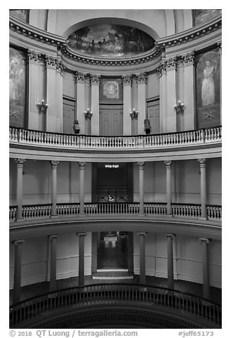 Old Courthouse rotunda with columns in diverse styles. Gateway Arch National Park (black and white)