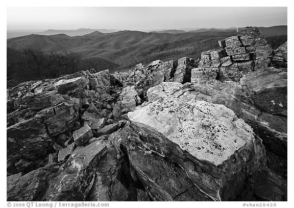 Black and White Picture/Photo: Rectangular rocks at dusk ...
