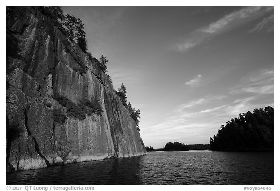 Grassy Bay Cliffs, late afternoon. Voyageurs National Park (black and white)