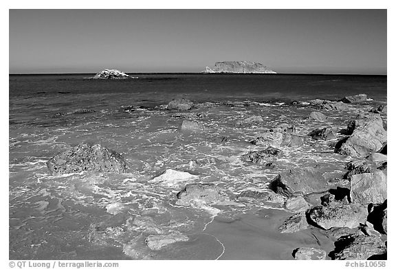 Judge Rock, Prince Island, Cuyler Harbor, mid-day, San Miguel Island. Channel Islands National Park (black and white)