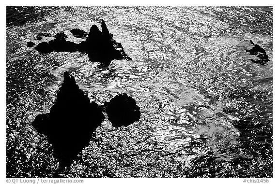 Pointed rocks and ocean, Cathedral Cove, Anacapa Island. Channel Islands National Park (black and white)