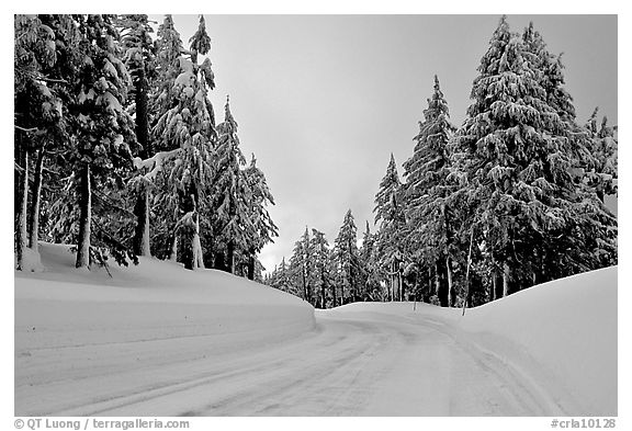 Snow-covered road. Crater Lake National Park (black and white)