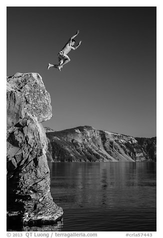 Cliff jumping, Cleetwood Cove. Crater Lake National Park (black and white)