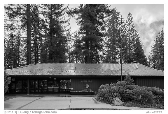 Grant Grove Visitor Center. Kings Canyon National Park (black and white)