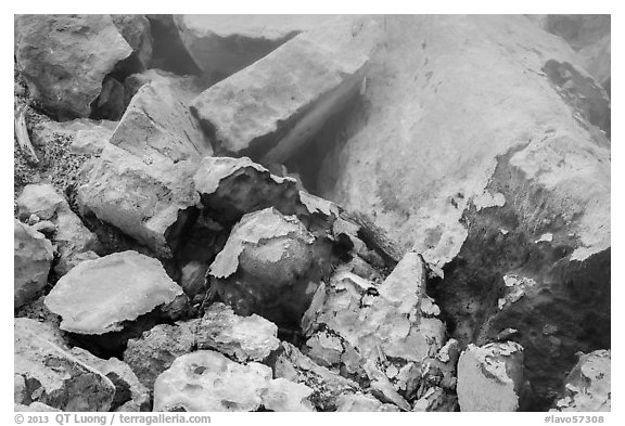 Rocks with sulphur deposits and steam vent. Lassen Volcanic National Park (black and white)
