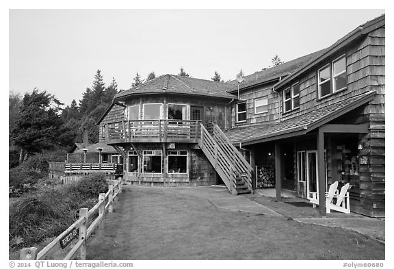 Kalaloch Lodge. Olympic National Park (black and white)