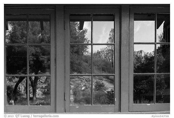Condor Gulch pinnacles, Bear Gulch nature center window reflexion. Pinnacles National Park (black and white)