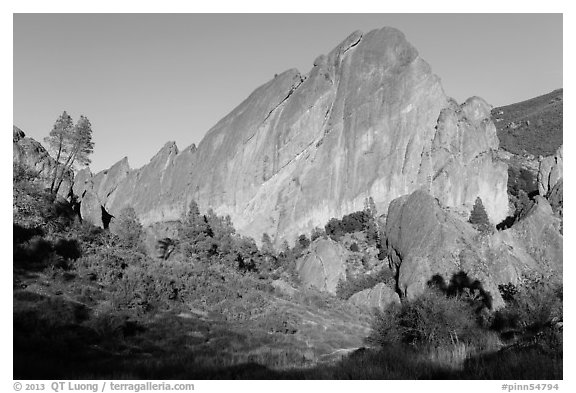 Machete Ridge, late afternoon. Pinnacles National Park (black and white)
