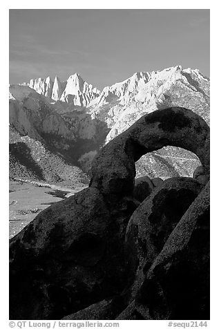 Alabama hills arch I and Sierras, sunrise. Sequoia National Park (black and white)