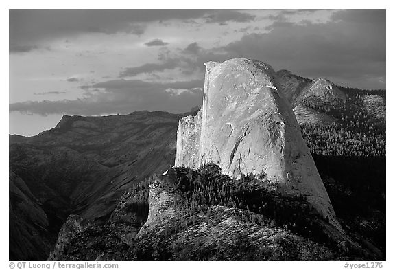 Half-Dome, sunset. Yosemite National Park (black and white)