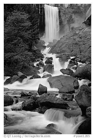 Vernal Falls. Yosemite National Park (black and white)