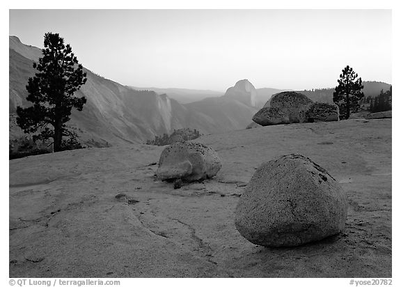 Boulders and Half-Dome at sunset, Olmsted Point. Yosemite National Park (black and white)