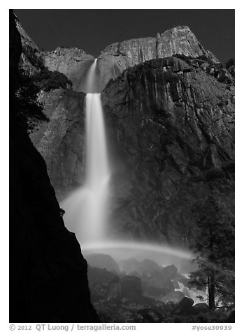 Moon rainbow, Lower and Upper Yosemite Falls. Yosemite National Park (black and white)