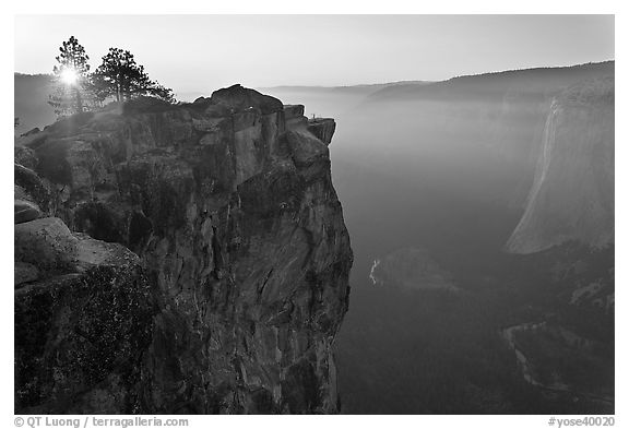 Sunset from Taft Point. Yosemite National Park (black and white)