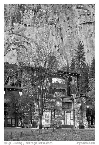 Historic Ahwahnee lodge at dusk. Yosemite National Park (black and white)
