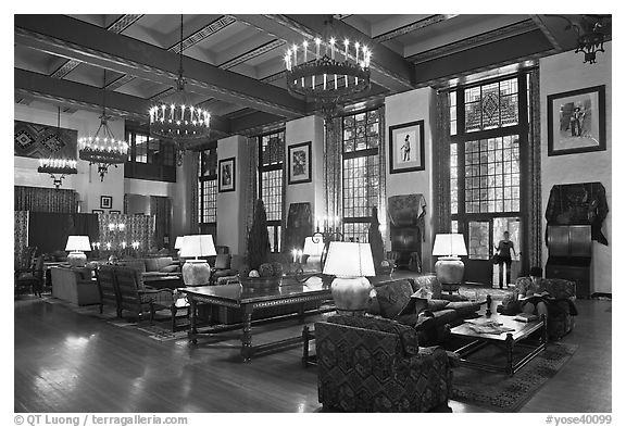 Lounge, Ahwahnee lodge. Yosemite National Park (black and white)