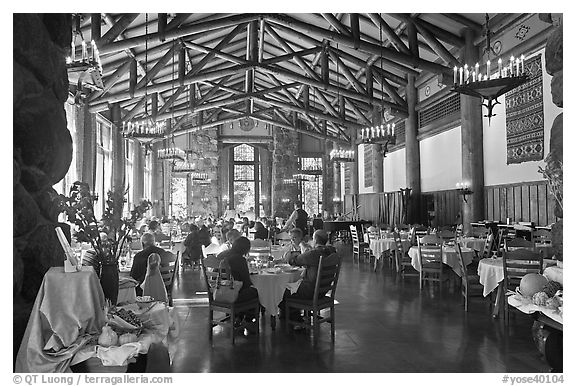 Dinning room, Ahwahnee lodge. Yosemite National Park (black and white)