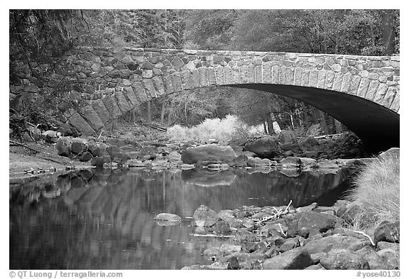 Bridge over the Merced River. Yosemite National Park (black and white)