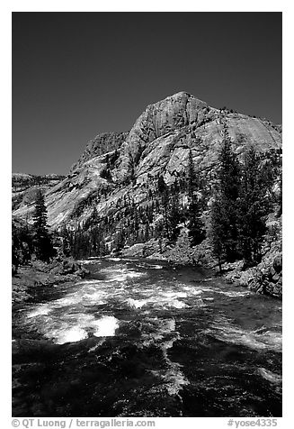 Tuolumne river on its way to the Canyon of the Tuolumne. Yosemite National Park (black and white)