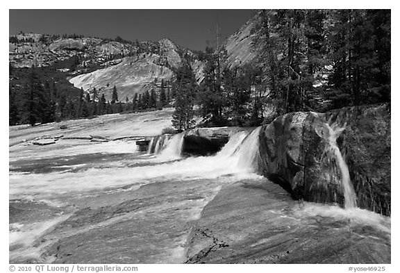 Cascade, Upper Merced River Canyon. Yosemite National Park (black and white)