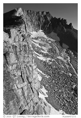 Cliffs, Mount Conness, morning. Yosemite National Park (black and white)