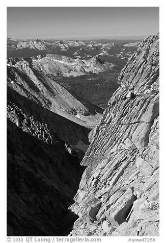 Cliff and distant mountains below the summit of Mount Conness. Yosemite National Park (black and white)