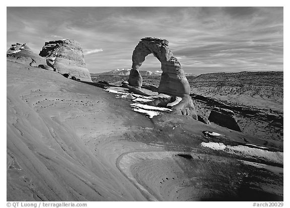 Delicate Arch, winter sunset. Arches National Park (black and white)