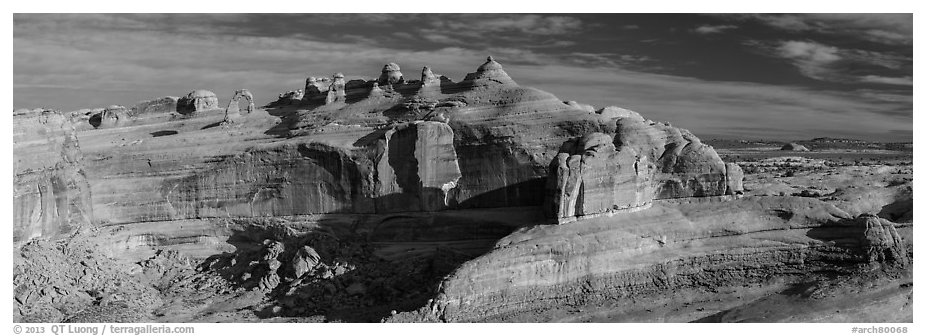 Delicate Arch above Winter Camp Wash. Arches National Park (black and white)