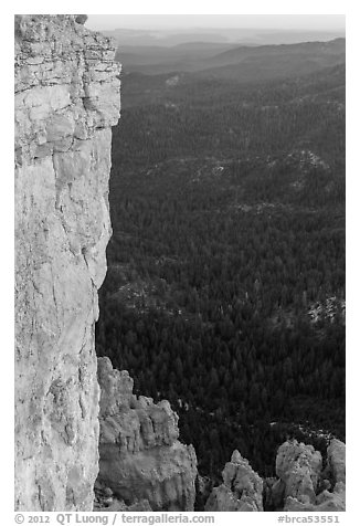 Cliffs near Yovimpa Point. Bryce Canyon National Park (black and white)